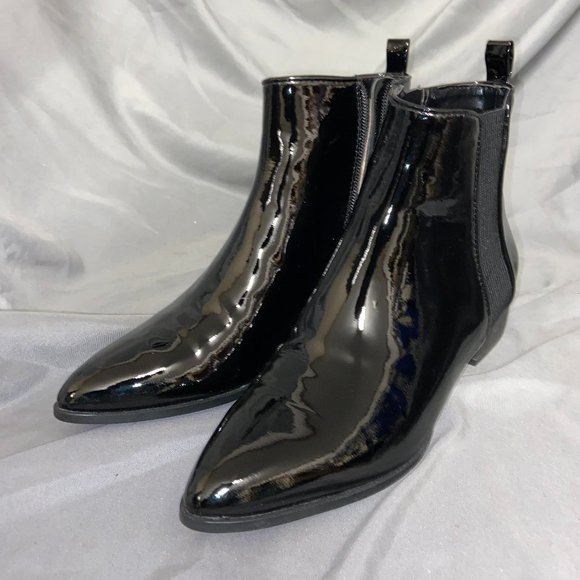 DKNY Talie Chelsea Boots